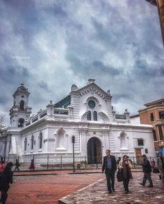 Catedral vieja #Cuenca #Ecuador #AllYouNeedIsEcuador #iPhone #street by patrickgog