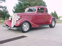 '33 Ford 5 window....I love this old car   ♥ wish I had one.