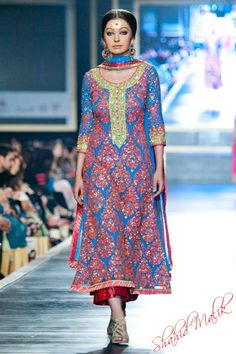 Nomi Ansari at Pakistan Bridal Week 2012 | great colors