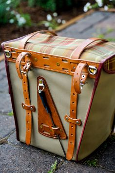 Hjeltness Panniers - oh beautiful Bicycle Panniers, Bicycle Bag, Leather Bicycle, Leather Bag, Bicycle Accessories, Leather Accessories, Rando Velo, Tweed Ride, Urban Bike