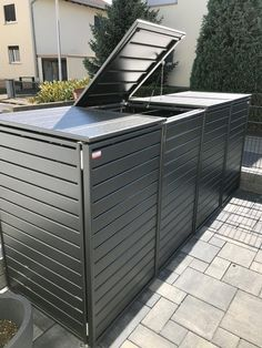 Garbage bin box aluminum discreet for 240 liters with folding roof and automatic . - Garbage bin box aluminum discreet for 240 liters with folding roof and automatic opener in dark - Outside Storage, Outdoor Storage Sheds, Outdoor Sheds, Garden Shed Diy, Garden Boxes, Diy Garden Decor, Herbs Garden, Hide Trash Cans, Outdoor Trash Cans