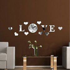 Muurletters zijn in de hal een erg leuke decoratie. Bijvoorbeeld van de initialen van jou en je partner, kids en huisdieren? Of een leuk woord?