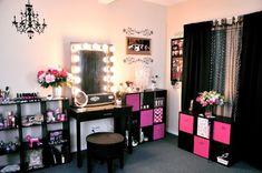 Decorating styles home makeup rooms glam room storage ideas small Vanity Room, Diy Vanity, Vanity Ideas, Rangement Makeup, Make Up Organizer, Woman Cave, Lady Cave, Glam Room, Makeup Rooms