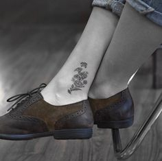 Meaningful tattoos for women 00069 – nothingideas Hand Tattoos, Life Tattoos, Body Art Tattoos, I Tattoo, Tatoos, Black Tattoos, Inner Ankle Tattoos, Ankle Tattoos For Women, Meaningful Tattoos For Women