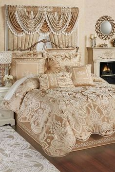 The Monarch Comforter Bedding exhibits a classic elegance mixed with a bit of modern luxury. Oversized comforter has ivory scrollwork on golden bronze. Elegant Home Decor, Elegant Homes, Bohemian Bedroom Decor, Luxurious Bedrooms, My New Room, Beautiful Bedrooms, Modern Luxury, Comforter Sets, King Comforter