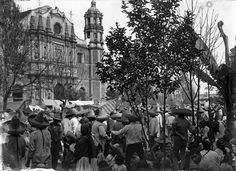 Romeria en torno a la Basilica de Guadalupe en los 1900s en la Ciudad de Mexico