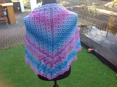 De achterkant vd sjaal/omslagdoek.