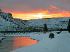 yellowstone | Yellowstone National Park snowmobile concessionaires, yellowstone ...