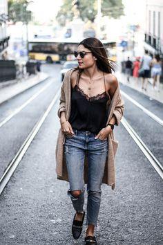 Aujourd'hui un look que j'affectionne particulièrement par sa simplicité : la tenue que je portais pour mon dernier jour à Lisbonne. J'ai toujours aimé mélanger la maille…