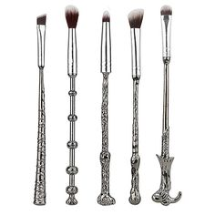 My Makeup Brush Set Silver Magic Wand Makeup Brush Set (€17) ❤ liked on Polyvore featuring beauty products, makeup, makeup tools and makeup brushes