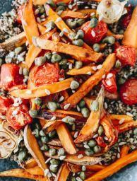 Édesburgonyás quinoa saláta