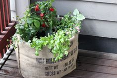 Kahvisäkki yrttiviljelyyn | KastehelmiB | Bloglovin' Reusable Tote Bags, Knitting, Diy, Lifestyle, Tricot, Bricolage, Breien, Stricken, Weaving