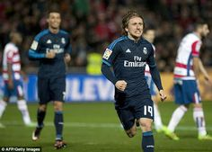 Real Madrid boss Zinedine Zidane urges Luka Modric to shoot more often after midfielder scores winner against Granada - Sport forever -