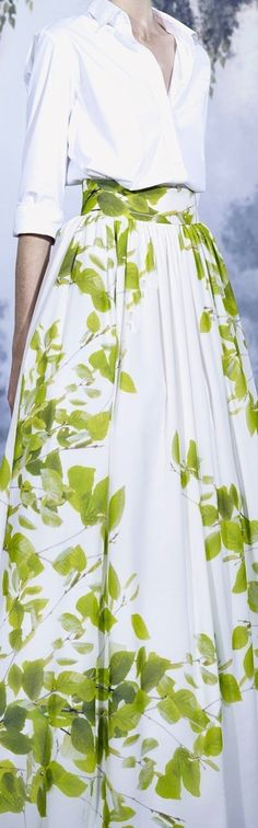 A La Russe Spring 2015 RTW. Despite the fact that the deathly pallor of the model makes her look like a tuberculosis patient, this ball skirt is beautiful. Ditton on the deathly pallor but the ensemble is beautiful. Image Fashion, I Love Fashion, Spring Fashion, Fashion Design, Ball Skirt, Cool Style, My Style, Floral Fashion, Beautiful Gowns