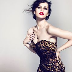 Animalier Signature Collection by Dolce and Gabanna Dolce & Gabbana, Dolce And Gabbana Makeup, Felicity Jones Black Cat, Glamour, Love Fashion, Fashion Beauty, High Fashion, Fashion Vocabulary, Animal Print Fashion