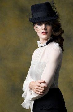 Hilary Rhoda by Ryan Yoon for Elle Korea (October 2010)