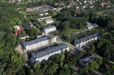 W Skierniewicach dawne koszary zmieniły się w szkołę.