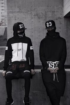 Blvck fashion, streetwear #urbvngallery Instagram @Urbvn Gallery | Raddest Looks On The Internet: http://www.raddestlooks.net