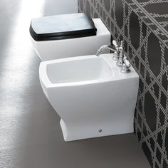 Bidet à poser ArtCeram au design à la fois traditionnel et contemporain.