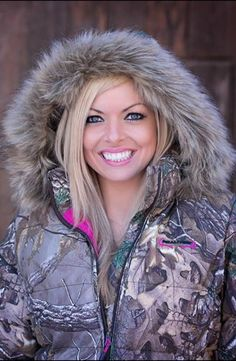 Realtree Xtra Camo Women Bubble Hoodie Jacket