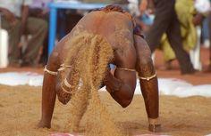 Jeu de sable. Bamako, Mali.   © Thierry h