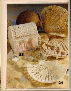 Magic Crochet n° 50 - leila tkd - Álbuns da web do Picasa...A crocheted shell dish and trinket box..nice to use for gifting!...patterns and diagrams!
