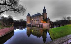Mespelbrunn – Imposing Medieval Water Castle of Germany http://glamgrid.com/mespelbrunn-imposing-medieval-water-castle-of-germany/