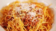 SPAGHETTI WITH MEAT AND OUZO