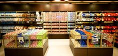 Lindt Chocolate, Chocolate Shop, Candy Stores, Bucket List Destinations, Chocolates, Shops, Canada, Sweets, Cooking