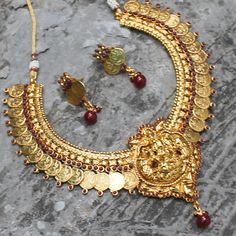 Chetana Necklace + Earrings by Indiatrend. Shop Now at WWW.INDIATRENDSHOP.COM