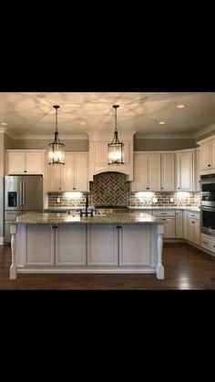 home interior design kitchen Kitchen Redo, Home Decor Kitchen, New Kitchen, Home Kitchens, Kitchen Remodel, Modern Farmhouse Kitchens, Kitchen Layout, Kitchen Ideas, Home Interior