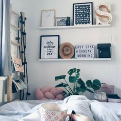 """Cozy"" rooms are almost universally loved by all. And for good reason! Get inspired by checking out these 20 cozy dorm room ideas when you need inspiration for creating your own at college! #college #collegelife #dorm #dormroom #student #studentlife Cozy Dorm Room, Cozy Bedroom, Bedroom Inspo, Teen Bedroom, Bedroom Wall, Bedroom Decor, Decor Room, Home Decor, Tumblr Bedroom"