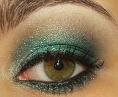 never thought of trying green, but this looks so pretty!