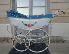 Vintage Stroller, Vintage Pram, John Jay, Prams And Pushchairs, Baby Prams, Baby Carriage, Vintage Coach, Reborn Babies, Nursery Ideas