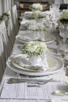 31 super ideas for shabby chic wedding table settings simple Elegant Table Settings, Beautiful Table Settings, Wedding Table Settings, Place Settings, Setting Table, Decoration Table, Table Centerpieces, Wedding Centerpieces, Dinner Table