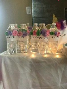 Botellas decoradas con motivo de unicornio