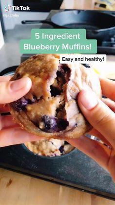 Healthy Breakfast Recipes, Healthy Baking, Healthy Desserts, Healthy Recipes, Healthy Low Calorie Breakfast, Low Calorie Muffins, Healthy Recipe Videos, Healthy Foods, Easy Baking Recipes