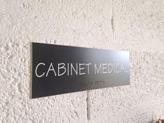 plaque acrylique - gravure braille Plaque Pvc, Braille, Gravure, Home Decor, Decoration Home, Room Decor, Home Interior Design, Home Decoration, Interior Design