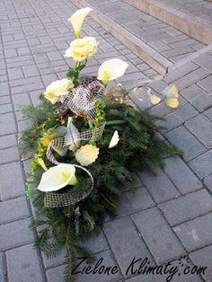 zielone klimaty - kwiaty Lublin: Stroiki i wiązanki na grób Funeral, Plants, Plant, Planets
