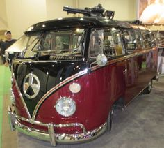 Magpul's VW 'Hippy Wagon' with Mini-gun (12 PHOTOS)