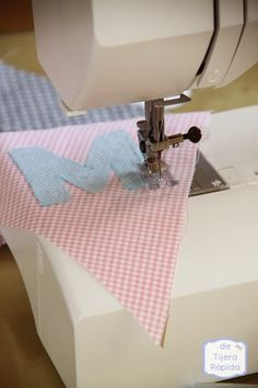 How to Achieve Ideal Sewing Machine Thread Tension Sewing Hacks, Sewing Projects, Diy Embroidery Shirt, Broderie Simple, Small Blankets, Fabric Bunting, Sewing Aprons, Sewing Class, Learn To Crochet