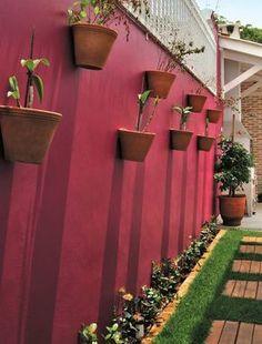 trendy home exterior landscaping garage House Plants Decor, Plant Decor, Side Yard Landscaping, Landscaping Ideas, Terrace Garden, Trendy Home, Cool Ideas, Home Deco, Garden Design