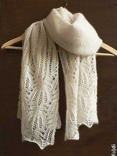 Frost flower lace shawl - FREE pattern.  Lace weight yarn.  Machine and hand knit pattern.
