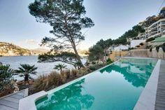 Apartamentos Port Andratx Mallorca - Inmobiliaria Nova Ref 87386  Impresionante apartamento frente al mar, Puerto de Andratx, Mallorca. Con vistas al mar, en zona muy exclusiva, en zona elevada del puerto, sobre el mar. En zona muy demandada, a 20 minutos de Palma y 25 de su centro.  http://www.inmonova.com/es/property/id/676058-apartamento-puerto-andratx-mallorca  http://www.inmonova.com/es  #inmonova #apartamentos #mallorca #port_andratx #nova #inmobiliaria