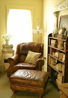 Faded Charm: somewhere to sit (did I pin this last year?) Love the worn leather and those books right next to it!