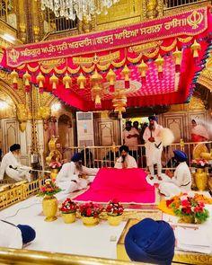 Ancient Indian History, Harmandir Sahib, Golden Temple Amritsar, Shri Guru Granth Sahib, Warriors Wallpaper, Inspirational Prayers, Prayer Board, Faith In God, Heaven On Earth