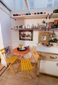 kitchen yellow benches :)