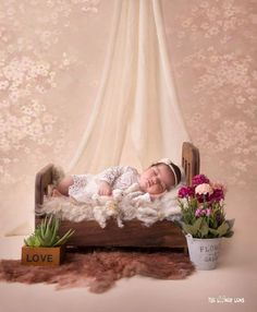 #Newbornphotographymumbai#bestnewbornphotographer#mumbaikidsphotographer#creativenewbornphoto#newbornboy#newborngirl#bestnewbornshoot#newbronphotographyideas Newborn Photography, Photography Ideas, 1 Month Olds, Newborns, Bassinet, Photo Booth, Toddler Bed, Maternity, Creative