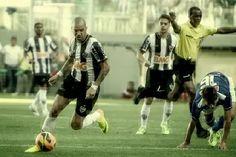 Foto: BELO HORIZONTE/ MINAS GERAIS / BRASIL  (13.10.2013) Atlético x Cruzeiro - no estádio Arena Independência - Campeonato Brasileiro 2013 - foto: Bruno Cantini