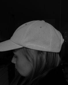 """Katri Ahlman 〰️ Tyylialkemisti's Instagram photo: """"🌾 Mun viime kesän käytetyin hattu oli @jacquemus -lippis. Nyt hankin täksi kesäksi heiltä uuden mallin. Kangas on sellaista ihanaa vähän…"""" Baseball Hats, My Style, Instagram, Baseball Caps, Caps Hats, Baseball Cap, Snapback Hats"""